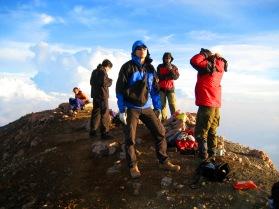 BLCK hiking team akhirnya di puncak kerinci