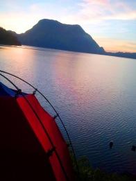 pemandangan yang bagus dari tenda