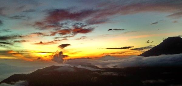golden sunrise sikunir