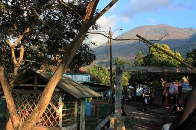 pos lapor desa tanjung,puncak 1 terlihat