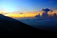 sunrise puncak bendera